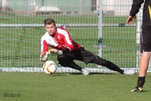 Mitch Langerak kam laut Dutt nicht verletzt nach Stuttgart
