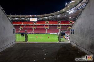 Leer und dunkel. Dieser Anblick des Neckarstadions beschreibt die Gemütslage der VfB-Fans wohl am Besten.