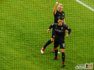 Erik Thommy feiert mit Torschütze Andi Beck. Bild: © VfB-Bilder.de