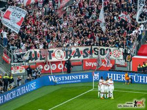 Gentner köpft, der Gästeblock eskaliert. Bild: © VfB-Bilder.de