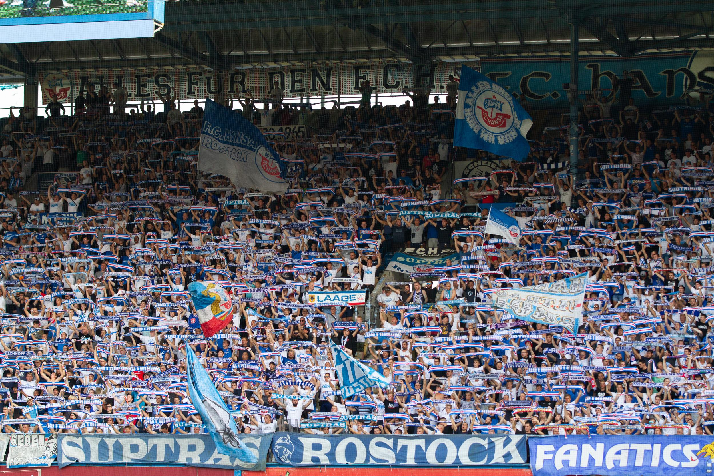 Rund um das Pokalspiel in Rostock
