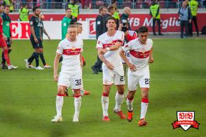 Nicolás González wird von Gomez in die Kurve geschickt. © VfB-Bilder.de