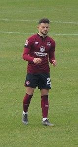 Ex-VfBler in weinrot: Tim Leibold. Bild: © Wikipedia/Silesia711 unter CC BY-SA 4.0
