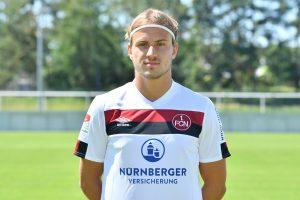Früher beim VfB II mit roten Brustring, jetzt in rotschwarz: Felix Lohkemper. © Getty/Bongarts