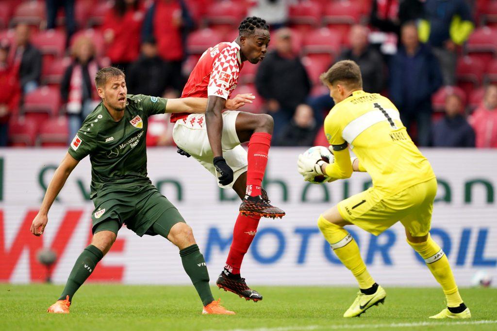 Anders als in dieser Szene ließ die VfB-Abwehr auch in diesem Spiel dem Gegner beim Gegentor zu viel Platz. Bild: © Christian Kaspar-Bartke/Getty Images