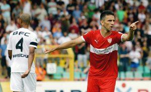 Vedad Ibisevic bejubelt einen seiner beiden Treffer beim letzten Pokalspiel beim BFC 2013. Bild: © imago/Pressefoto Baumann